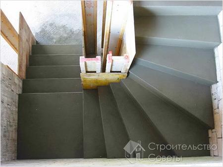 Готовая лестница из бетона