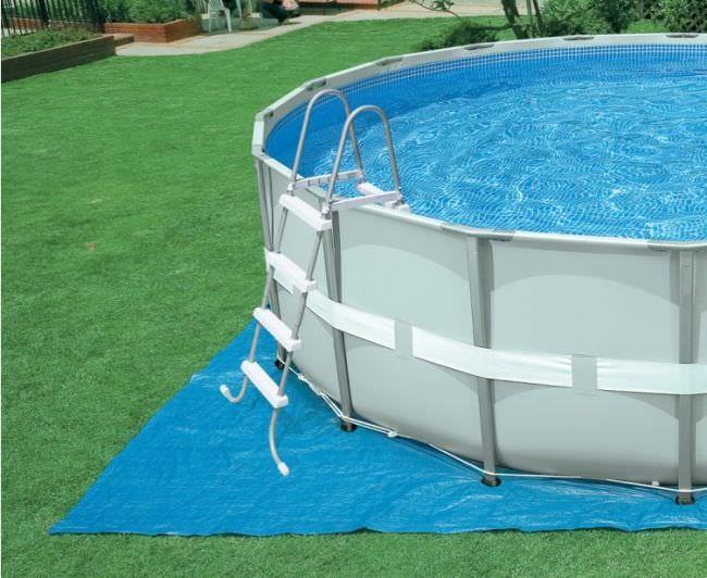 Один из самых важных критериев выбора, так как здесь вам нужно четкое сочетание с видом бассейна