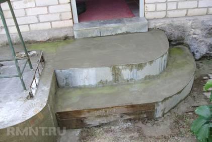 Как правильно бетонировать крыльцо с радиусными ступенями
