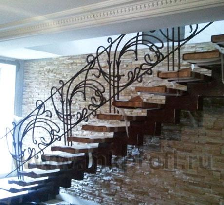 Монтаж кованого ограждения лестницы
