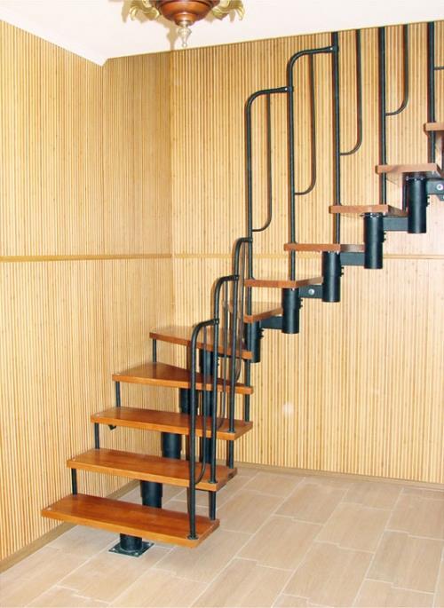 Модульная лестница в коттедже