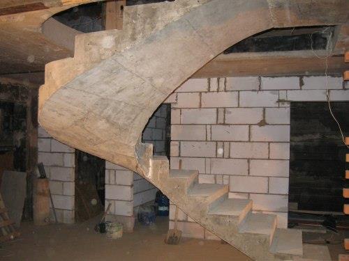 Бетонная лестницы в подвал своими руками 85
