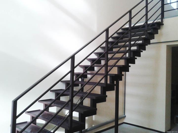 Металлическая лестница для отделки
