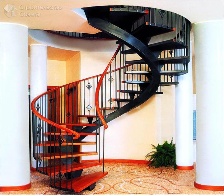 Винтовая лестница на одном косоуре