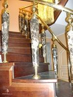 Каменные балясины для деревянной лестницы