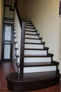 Отделка металлической лестницы деревом, облицовка лестниц деревом