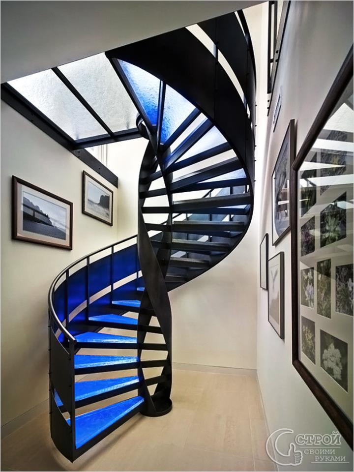 Лестница в стиле хай-тэк