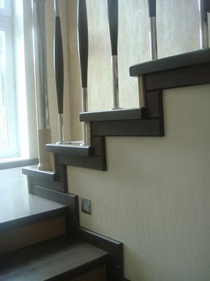 Облицовка бетонных лестниц деревом