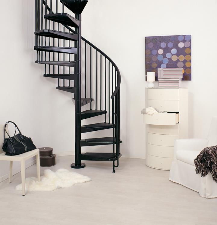 Как сделать винтовую лестницу на второй этаж своими руками