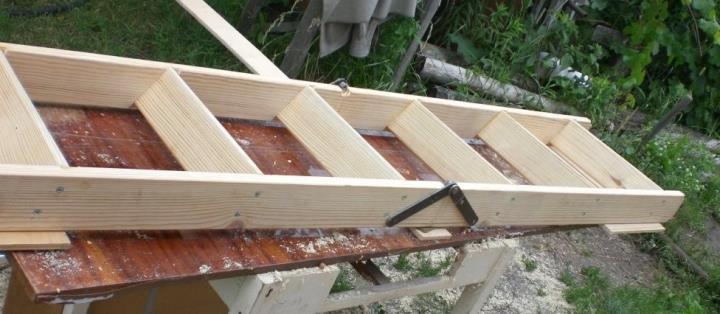 Лестница складная для чердака своими руками