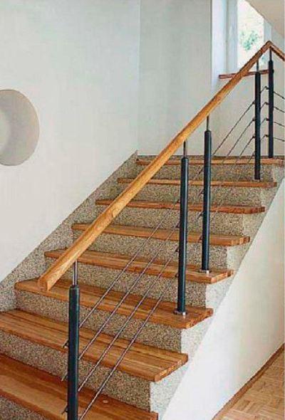 Вариант отделки лестницы