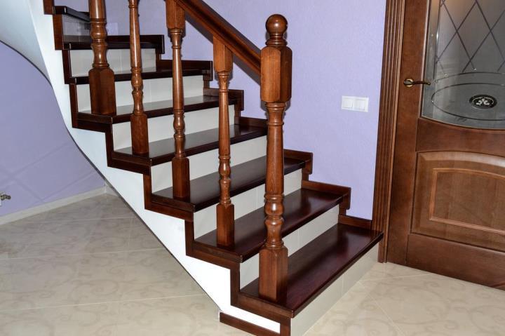 облицовка бетонной лестницы массивом бука в Ростове на дону