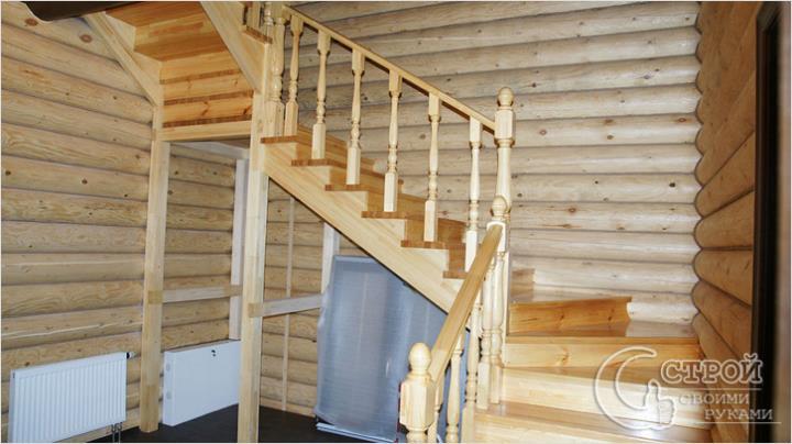 Лестница с поворотом и прямым маршем