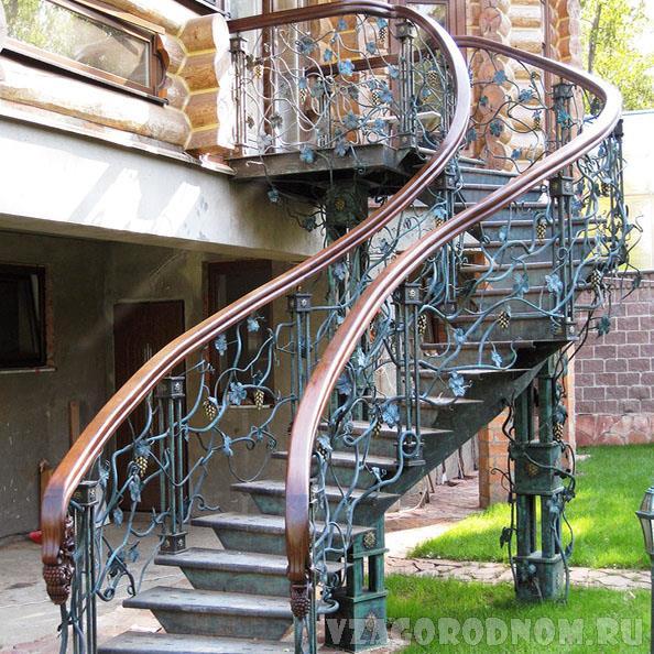 Уличная лестница