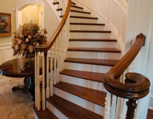 Лестница-украшение дома