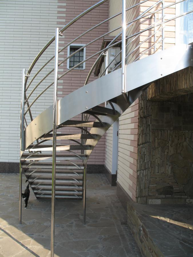 Лестницы из металла нашего производства