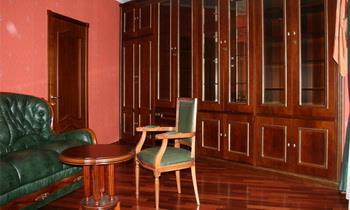 Элитная мебель из массива ценных пород дерева на заказ