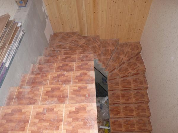 Отделка ступеней керамической плиткой