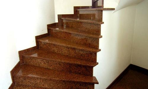 Лестница с накладными ступенями