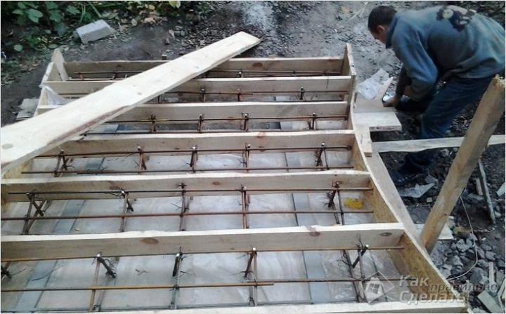 Армирование монолитной лестницы