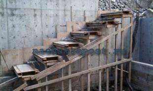 заливка бетонной лестницы на второй этаж