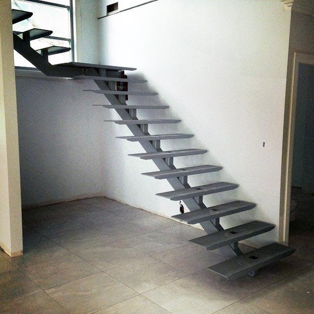 установка лестницы в доме