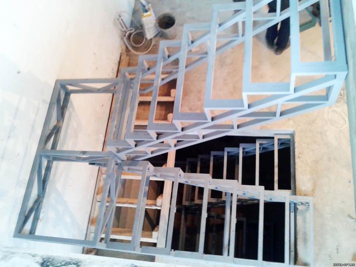Каркас лестницы под отделку гипсокартоном