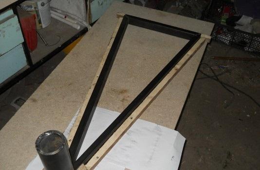 Шаблон по форме ступеней винтовой лестницы