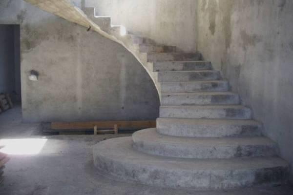 монолитные лестницы из бетона фото