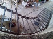 металический каркас лестницы