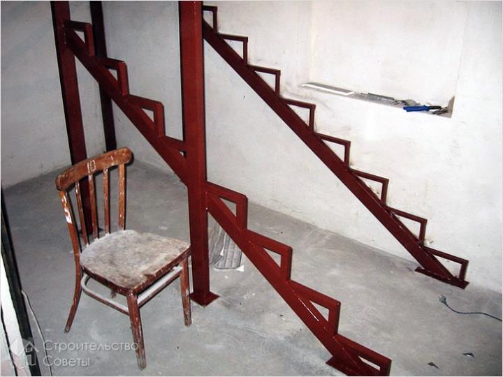 Основание для лестницы из трубы