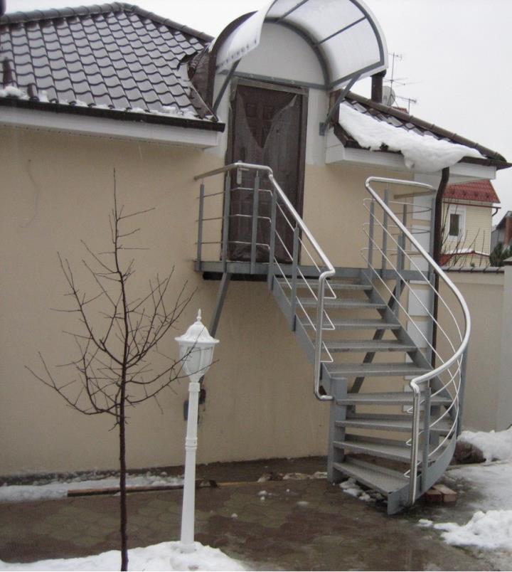 Уличные железные лестницы на второй этаж своими руками