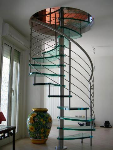 Винтовая лестница нержавейка и стекло