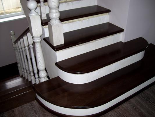 Облицовка бетонной лестницы деревом - По ступенькам
